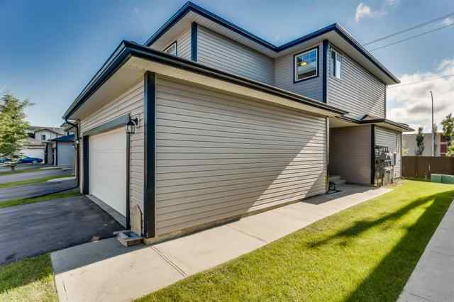 15, 102 CANOE  Square SW in Canals Airdrie MLS® #A1016008