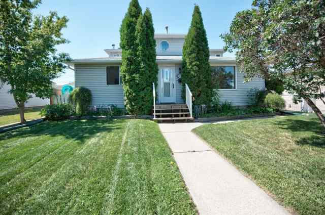 8519 BOWGLEN Road NW in Bowness Calgary