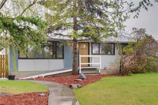 5020 2 Street NW in Thorncliffe Calgary