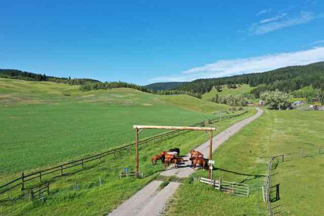 1015 TWP Rd 10-0 Road  in NONE Rural Pincher Creek No. 9, M.D. of MLS® #A1016544