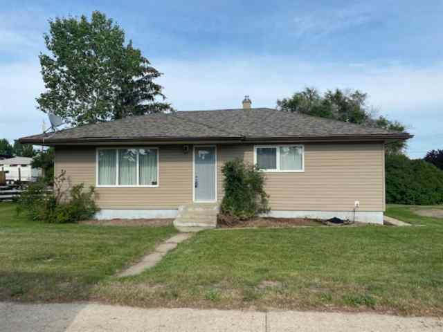 501 Main Street in NONE Burdett MLS® #A1016851