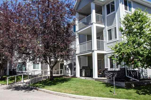 3301 VALLEYVIEW Park SE in Dover Calgary