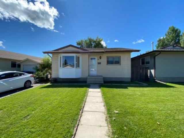 31 ABINGDON Road NE in Abbeydale Calgary