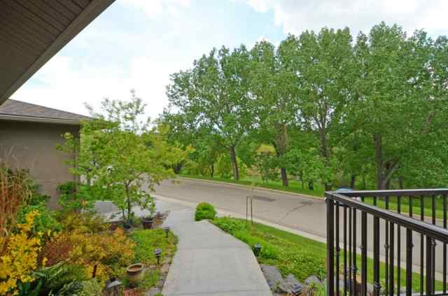 MLS® #A1017374 86 ROSELAWN Crescent NW T2K 1K6 Calgary
