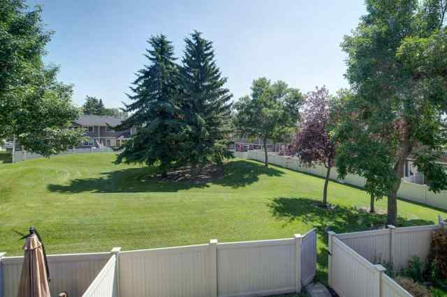 Queensland real estate 554 Queenston Gardens SE in Queensland Calgary