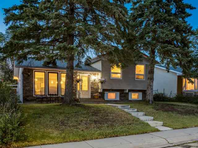 908 PENSDALE Crescent SE in Penbrooke Meadows Calgary MLS® #A1018002