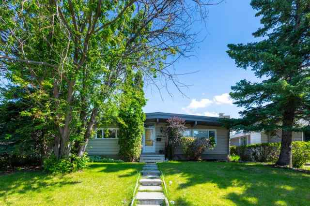 4336 BRENTWOOD Green NW in Brentwood Calgary