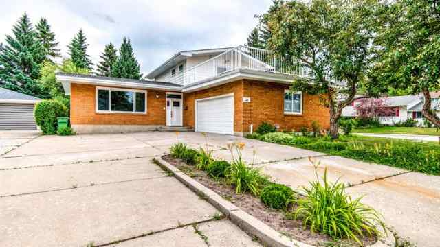 32 VARCREST Place NW in Varsity Calgary MLS® #A1018307