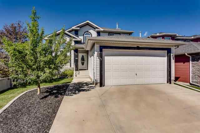42 THORNLEIGH  Way SE in Thorburn Airdrie MLS® #A1018359