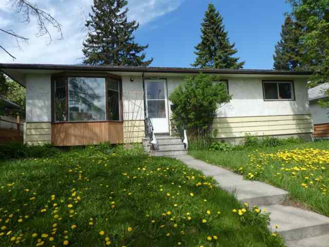 2011 39 Street SE in Forest Lawn Calgary MLS® #A1018794