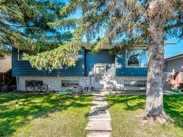 239 PENBROOKE Way SE in Penbrooke Meadows Calgary MLS® #A1018945