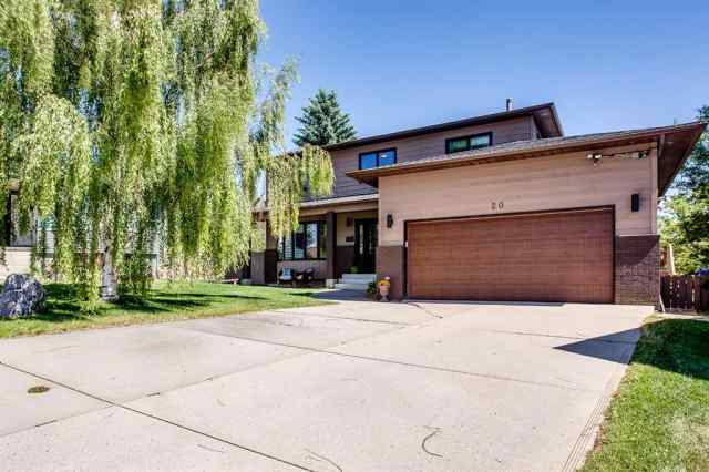 20 HAWKRIDGE Court NW in Hawkwood Calgary