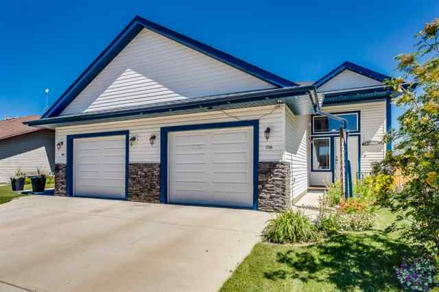 738  Carriage Lane  Drive  in NONE Carstairs MLS® #A1019396