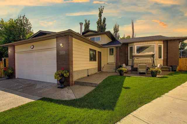 111 Templeson Way NE in Temple Calgary