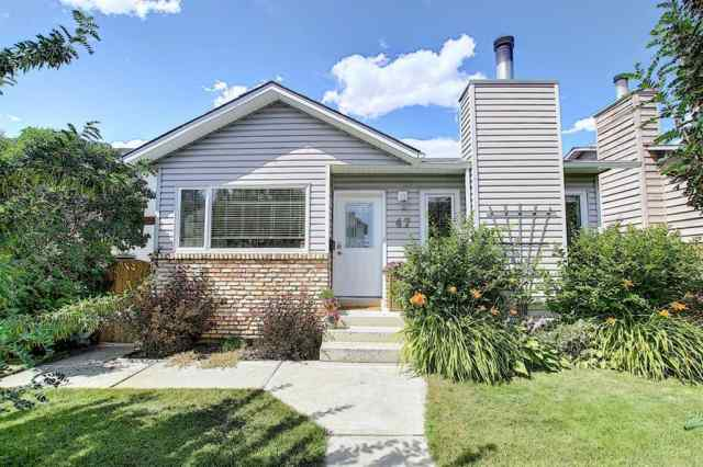 47 MCKENNA Way SE in McKenzie Lake Calgary