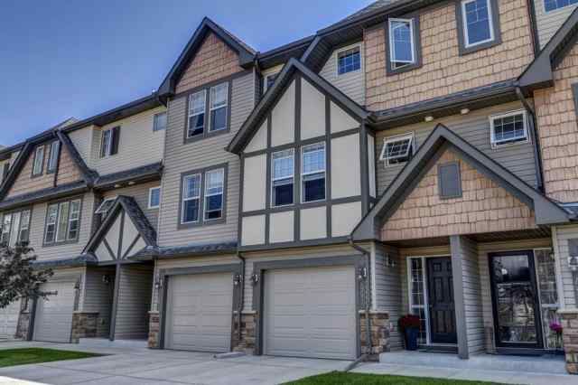 44 EVERRIDGE Common SW in Evergreen Calgary