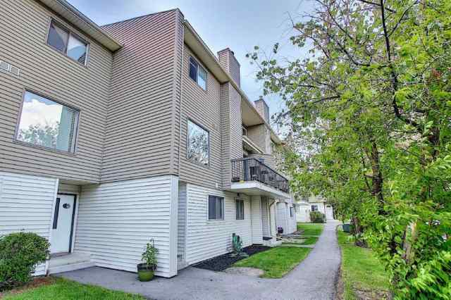 14, 2519 38 Street NE in Rundle Calgary