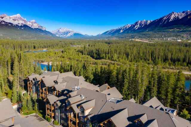 104, 175 Crossbow  Place in Three Sisters Canmore