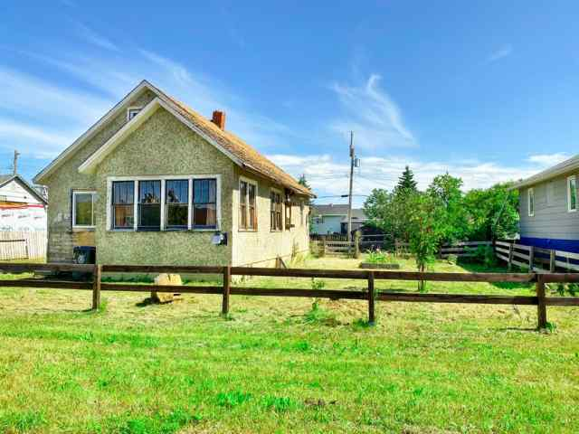 4627 49 Street in NONE Rycroft
