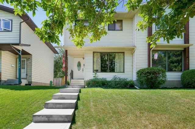 147 BERWICK Way NW in Beddington Heights Calgary