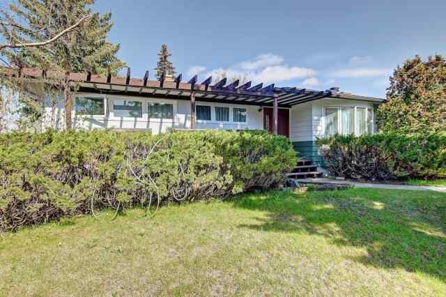 93 GATEWAY Drive SW in Glendale. Calgary MLS® #A1020178