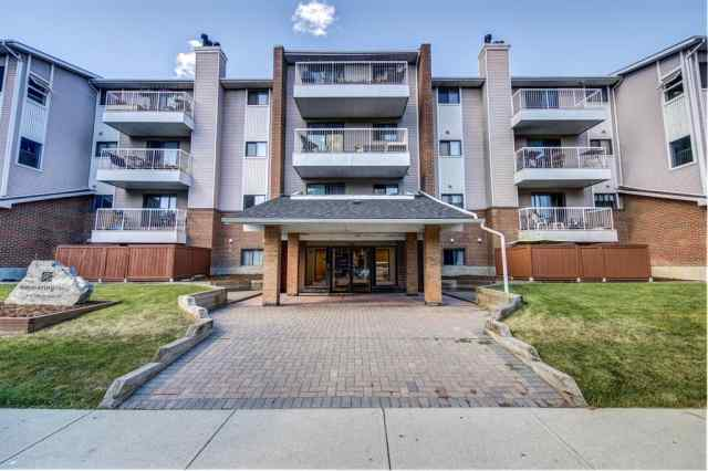 305, 930 18 Avenue SW in Lower Mount Royal Calgary