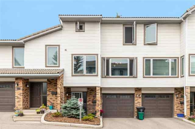 209 COACHWAY LANE SW in Coach Hill Calgary
