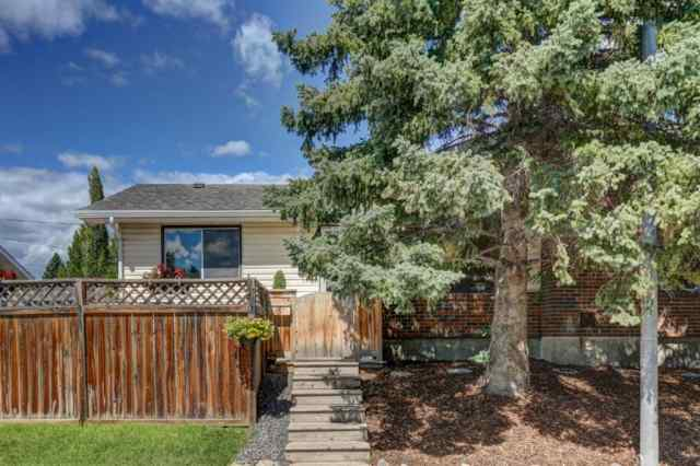 3 SILVERDALE Crescent NW in Silver Springs Calgary