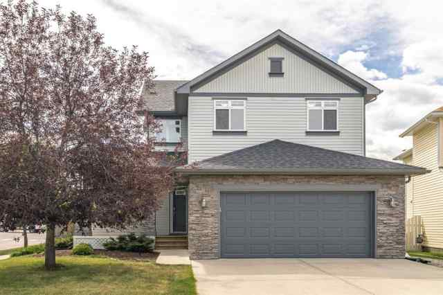 1 CRYSTAL SHORES Court in Crystal Shores Okotoks