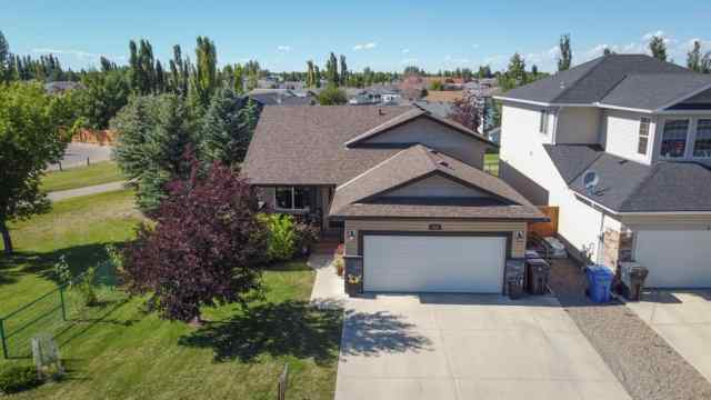 215 Mt Sunburst Place W in Sunridge Lethbridge MLS® #A1022219