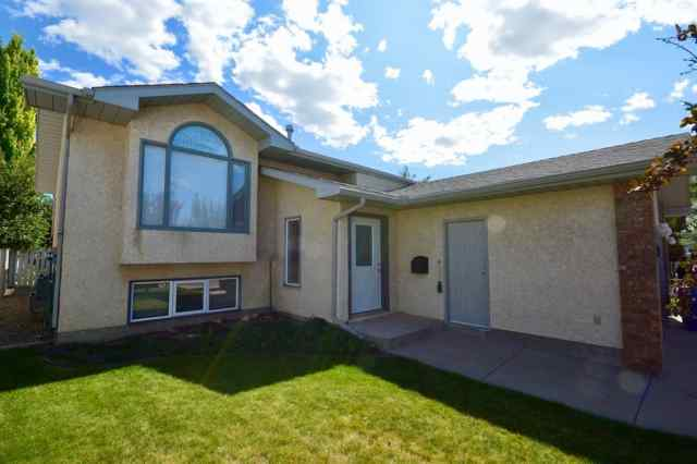 45 STAFFORD Road N in Stafford Manor Lethbridge MLS® #A1022315