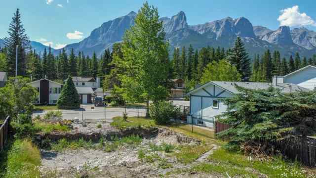 962 13th  Street in Lions Park Canmore