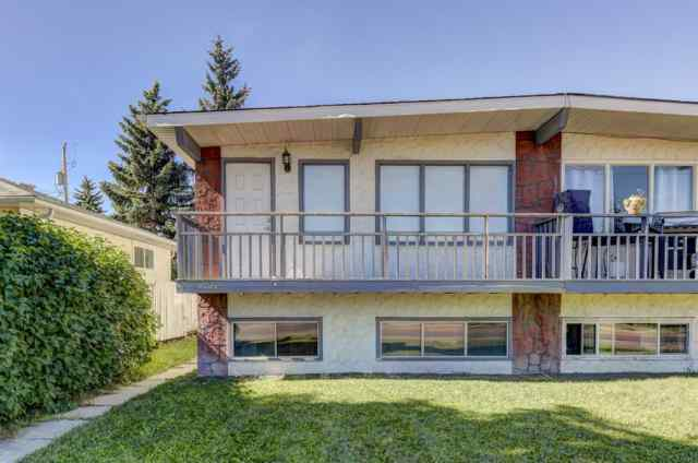 8537 BOWNESS Road NW in Bowness Calgary
