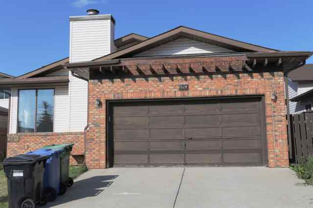 120 WHITERAM Close NE in Whitehorn Calgary