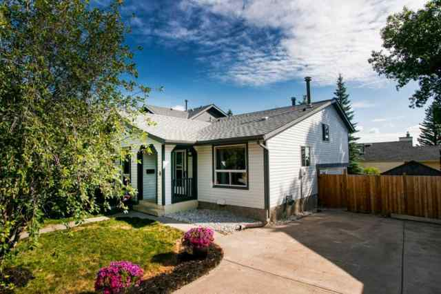 8 STRATHCLAIR Rise SW in  Calgary MLS® #A1022810