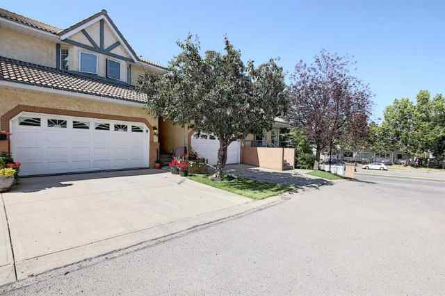 49 RICHELIEU Court SW in Lincoln Park Calgary