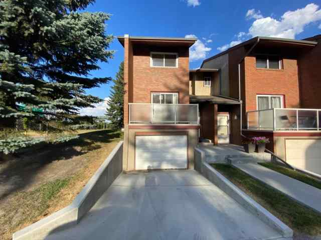1305 GLENMORE Trail SW in Kelvin Grove Calgary MLS® #A1023250