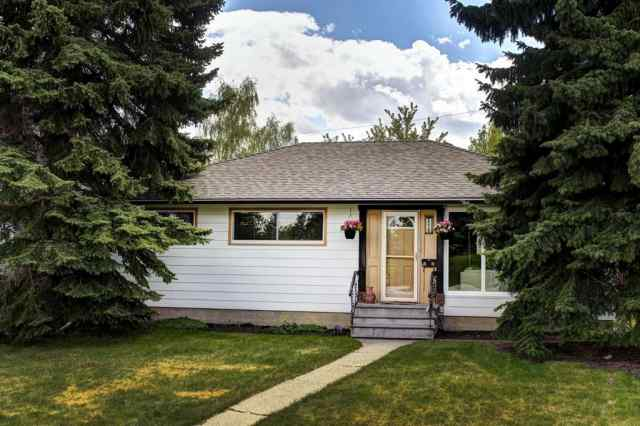 2219 Glenwood Drive in Glendale. Calgary MLS® #A1023380