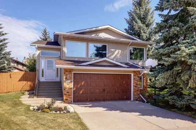 Hawkwood real estate 123 HAWKSBROW Mews NW in Hawkwood Calgary