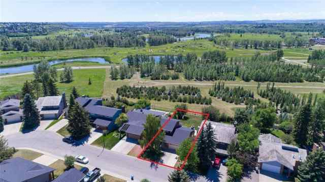 MLS® #A1023733 2315 DEER SIDE Drive SE T2J 5L7 Calgary