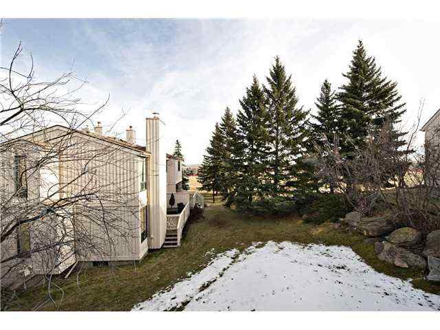 MLS® #A1024642 61, 70 BEACHAM Way NW T3K 1R8 Calgary