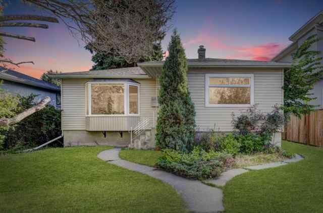 Banff Trail real estate 2412 22 Street NW in Banff Trail Calgary