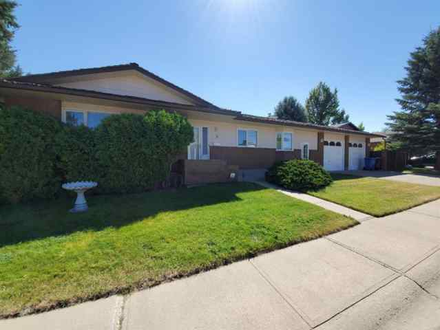 MLS® #A1025275 3 Kings Crescent S T1K 5G4 Lethbridge