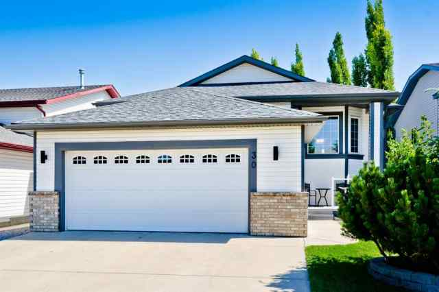 Thorburn real estate 30 THORNDALE  Close SE in Thorburn Airdrie