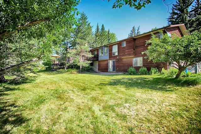 15 BEARSPAW MEADOWS Bay T2M 4N3 Rural Rocky View County