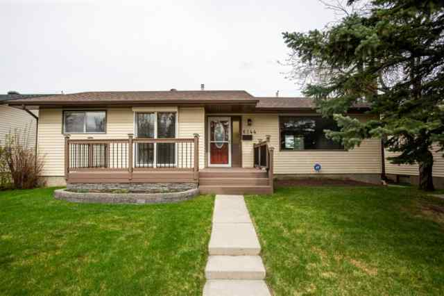 Silver Springs real estate 6244 72 Street NW in Silver Springs Calgary