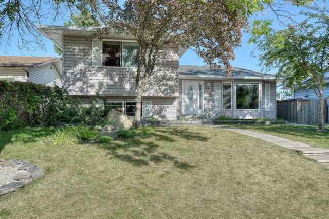 MLS® #A1026848 144 Pinewind Close NE T1Y 2H8 Calgary