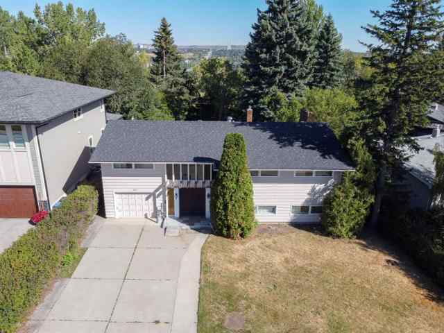 MLS® #A1027099 2444 SOVEREIGN Crescent SW T3C 2M2 Calgary