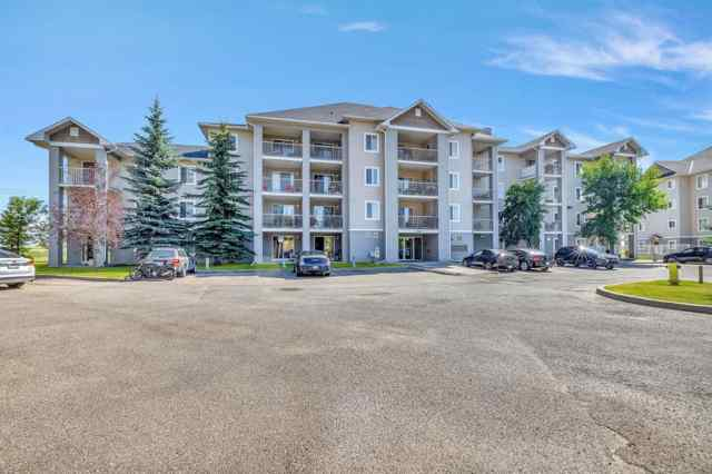 Applewood Park real estate 4105, 1620 70 Street SE in Applewood Park Calgary