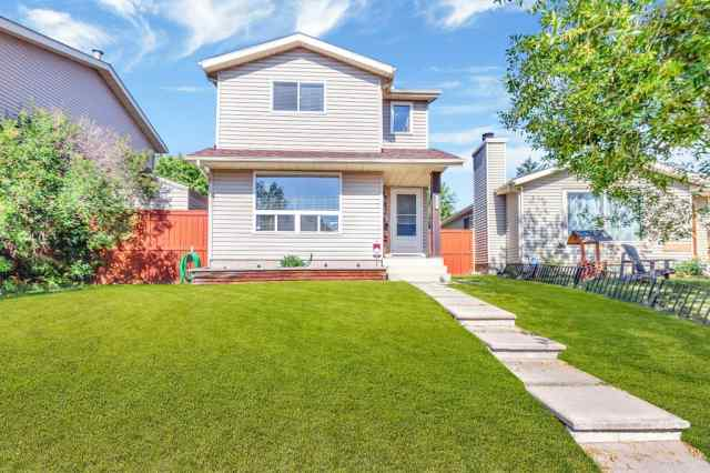 208 ERIN DALE Place SE T2B 2R7 Calgary